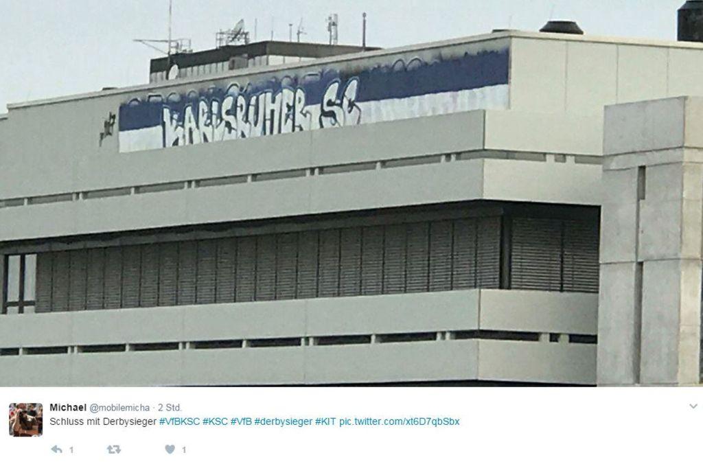 """Auf Twitter postete ein User das Graffito der KSC-Fans am Karlsruher Institut für Technologie. Zuvor hatte dort gestanden: """"Derbysieger VfB"""".. Foto: Twitter/@mobilemicha"""