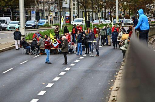B14 zwei Stunden lang gesperrt für Protesttanzen im Tunnel