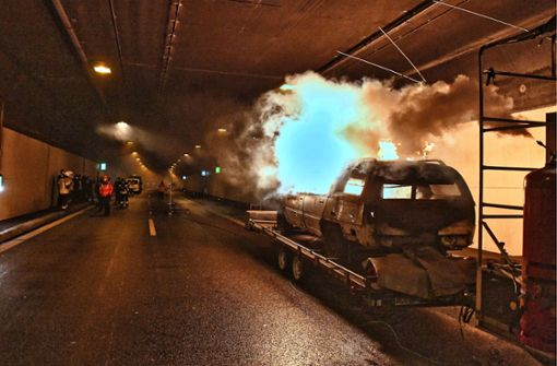 Feuer und Rauch im Kappelbergtunnel