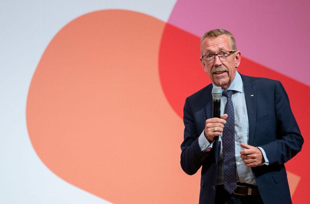 Karl-Heinz Brunner bei einem seiner Bewerbungsreden vor der SPD-Basis in Nürnberg – nun mag er nicht mehr Vorsitzender werden. Foto: dpa/Daniel Karmann