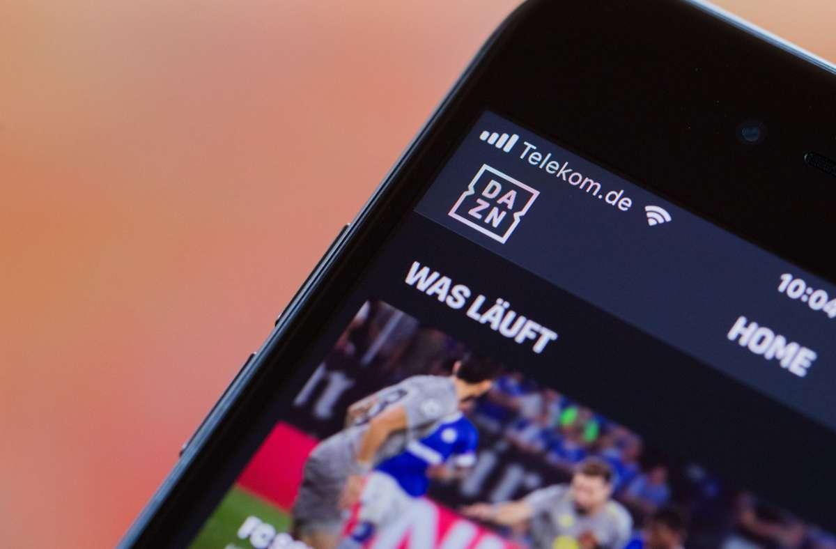 Die kommenden zwei VfB-Spiele sind beim Streamingportal DAZN zu sehen. Foto: dpa/Rolf Vennenbernd