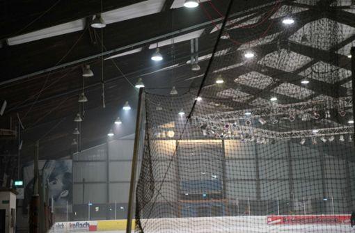Starker Rauch im Eisstadion