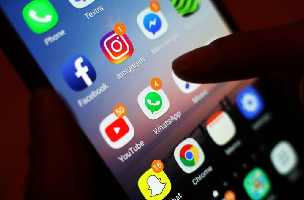 Nicht zum ersten Mal bangen Nutzer des beliebten Messengerdienstes WhatsApp um die Sicherheit ihrer Daten. Foto: picture alliance/dpa/Yui Mok