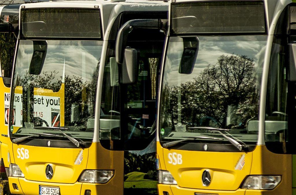 Sei 2011  71 Haltestellen umgebaut: Behinderte Menschen sollen in Stuttgart besser in die Busse einsteigen können. Foto: Lichtgut/Leif Piechowski
