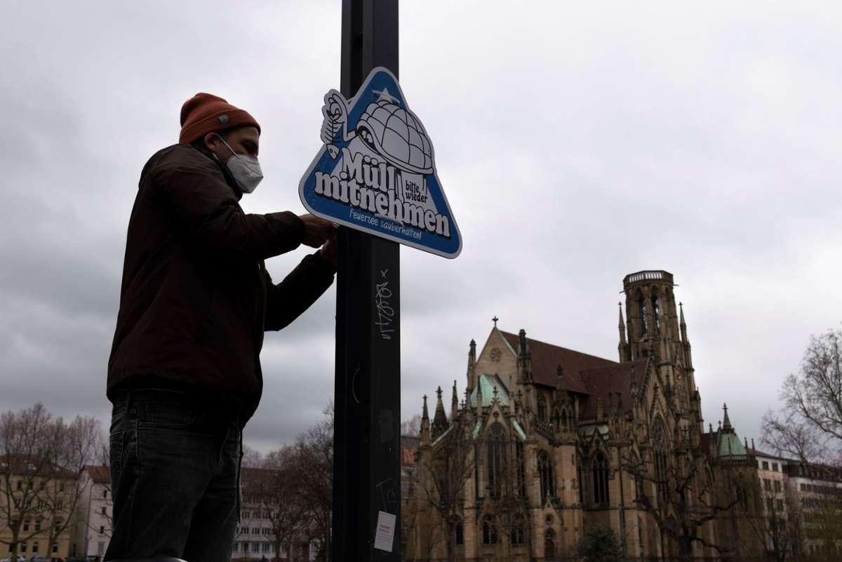 Coole Aktion von Stuttgart Souvenirs: Mit Schildern wird darauf hingewiesen, den eigenen Müll wieder mitzunehmen... Foto: Stuttgart Souvenirs