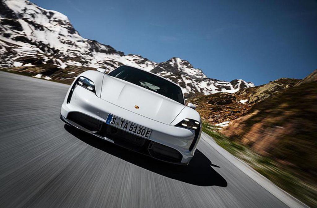 Der Taycan ist Porsches erster reiner E-Sportwagen. Foto: Porsche AG