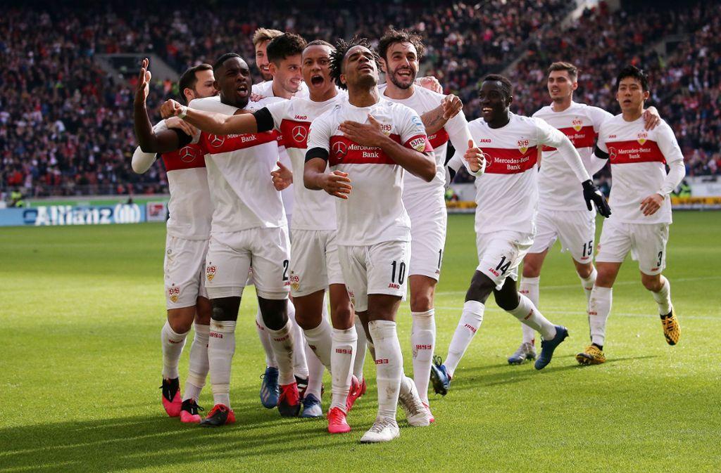Der VfB Stuttgart hat gegen Jahn Regensburg gewonnen und ist am HSV vorbeigezogen. Foto: Pressefoto Baumann
