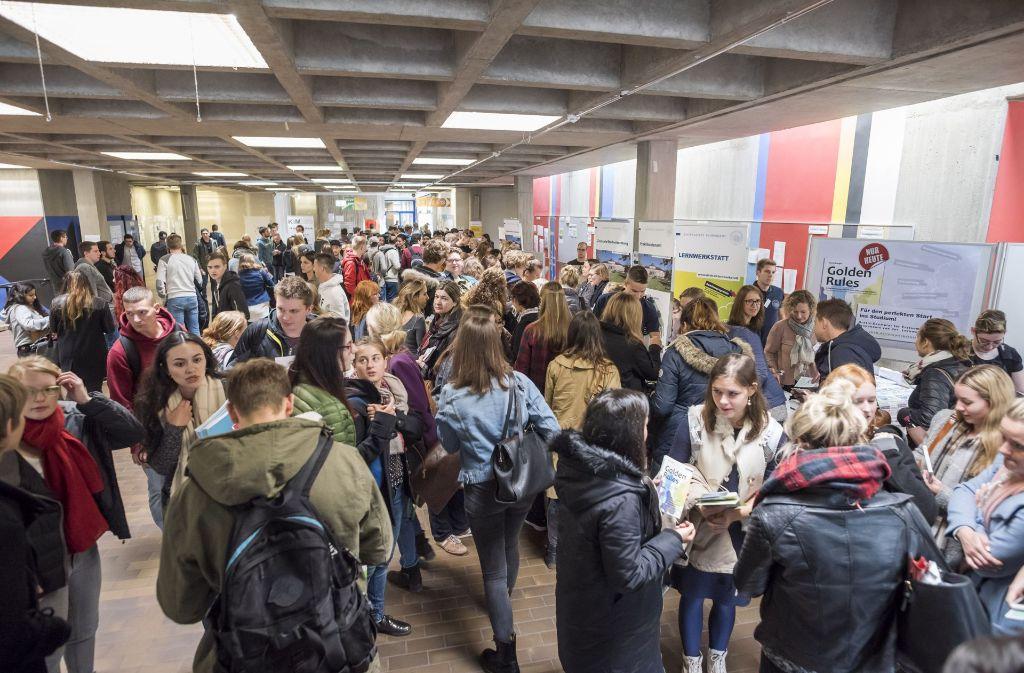 Der Andrang an die Hochschulen in Baden-Württemberg (wie hier in Hohenheim) ist groß. Auch Studierende aus dem Ausland kommen gerne. Foto: 7aktuell.de/Oskar Eyb