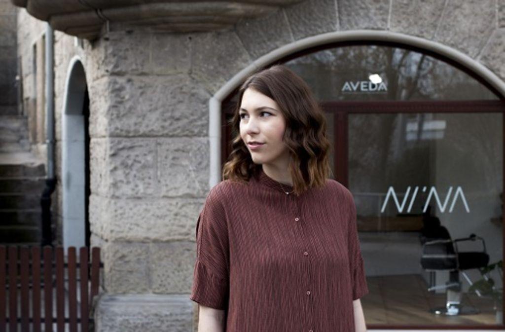 In der Mutterstadt erfüllte sich Nina Wagner ihren Traum vom eigenen Friseursalon. Foto: Sergej Stahlbaum