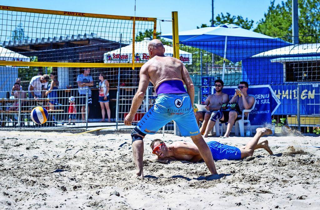 Hobbyspieler beim Turnier der Kategorie C in Schmiden unter sich – und zudem in den eigenen Spielpausen als Schiedsrichter gefordert. Foto: Nicklas Santelli