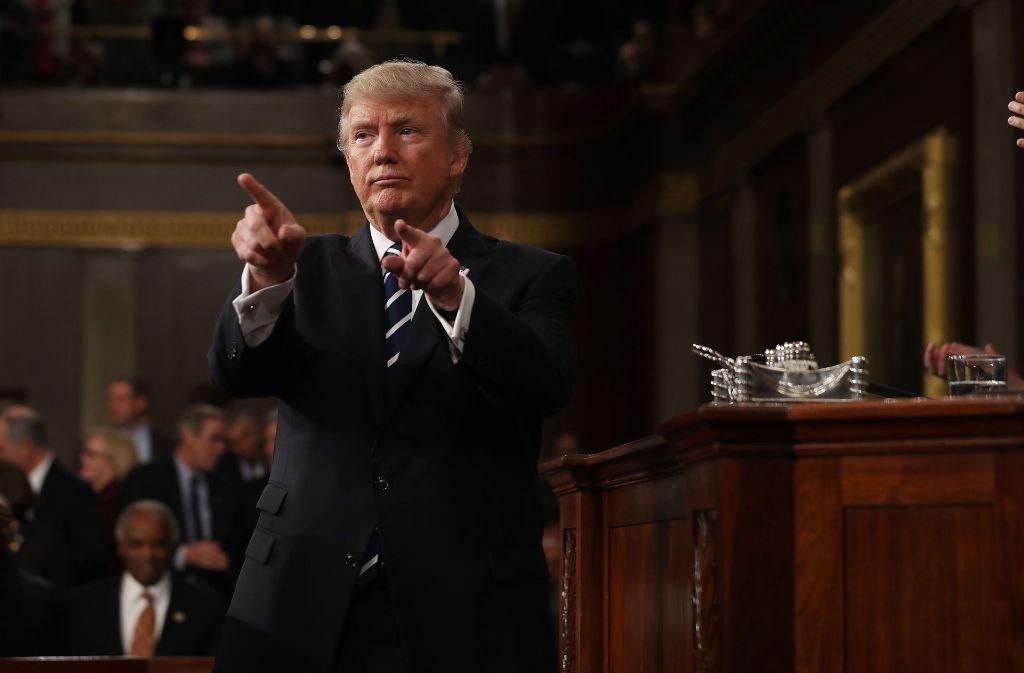 US-Präsident Donald Trump schlägt bei seiner Rede vor dem Kongress einen versöhnlichen Ton an – in der Sache bleibt er aber hart. Foto: EPA POOL