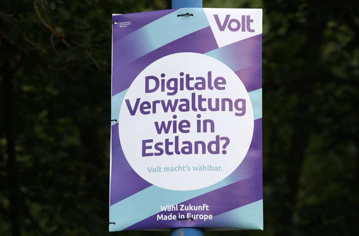 Wahlplakat der Partei Volt (Archivbild) Foto: imago images/Rene Traut/Rene Traut via www.imago-images.de