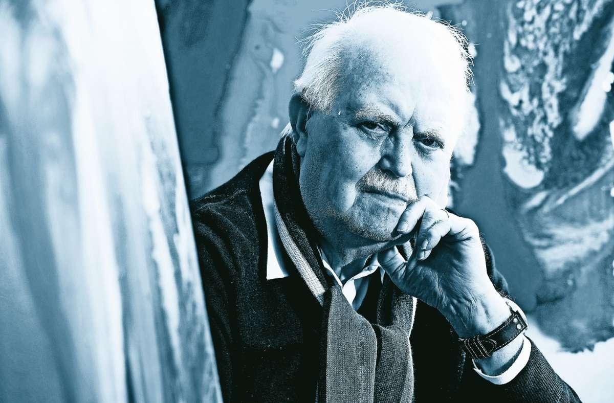 Ο Burghard Hüdig είχε πολλά ταλέντα, έκανε ένα όνομα για τον εαυτό του ως φωτογράφος και ζωγράφος.  Ονομάστηκε «φωτογράφος της βίλας Reitzenstein», είχε αρκετούς καγκελάριους μπροστά από το φακό του, οι φωτογραφίες του έκαναν ιστορία.  Ως ζωγράφος, παρόλο που ξεκίνησε αργά, το έφτασε στη Staatsgalerie με ένα από τα έργα του.  Το Hüdig ήταν 87 ετών.  Φωτογραφία: dpa