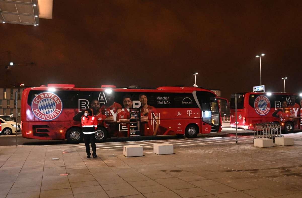 Die Bayern wollten am Freitagabend noch nach Katar fliegen, doch daraus wurde nichts. Foto: imago images/Matthias Koch