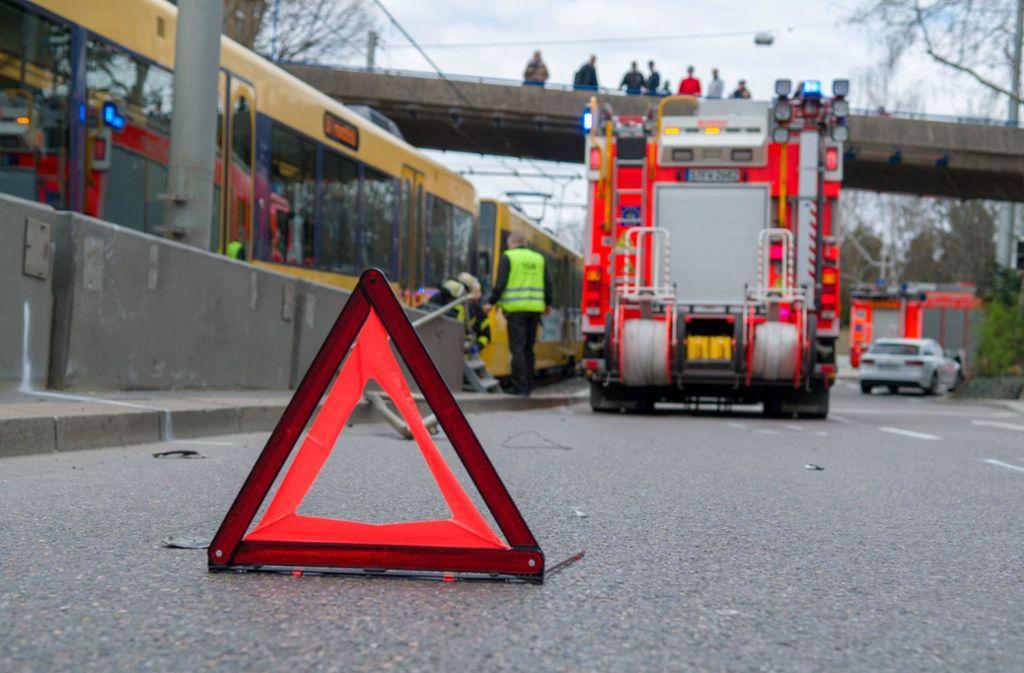 Nach einem Stadtbahnunfall in der Heilbronner Straße ist es zu starken Verkehrsbehinderungen gekommen. Foto: 7aktuell.de/ NR