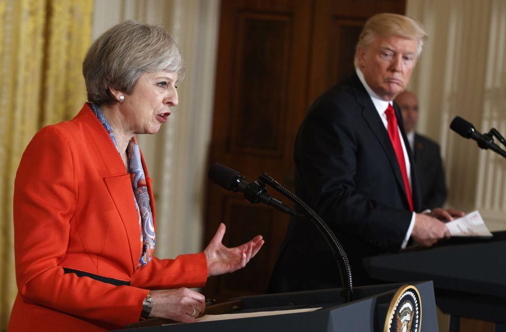 Gemeinsamer Auftritt von Theresa May und Donald Trump am vergangenen Freitag Foto: AP