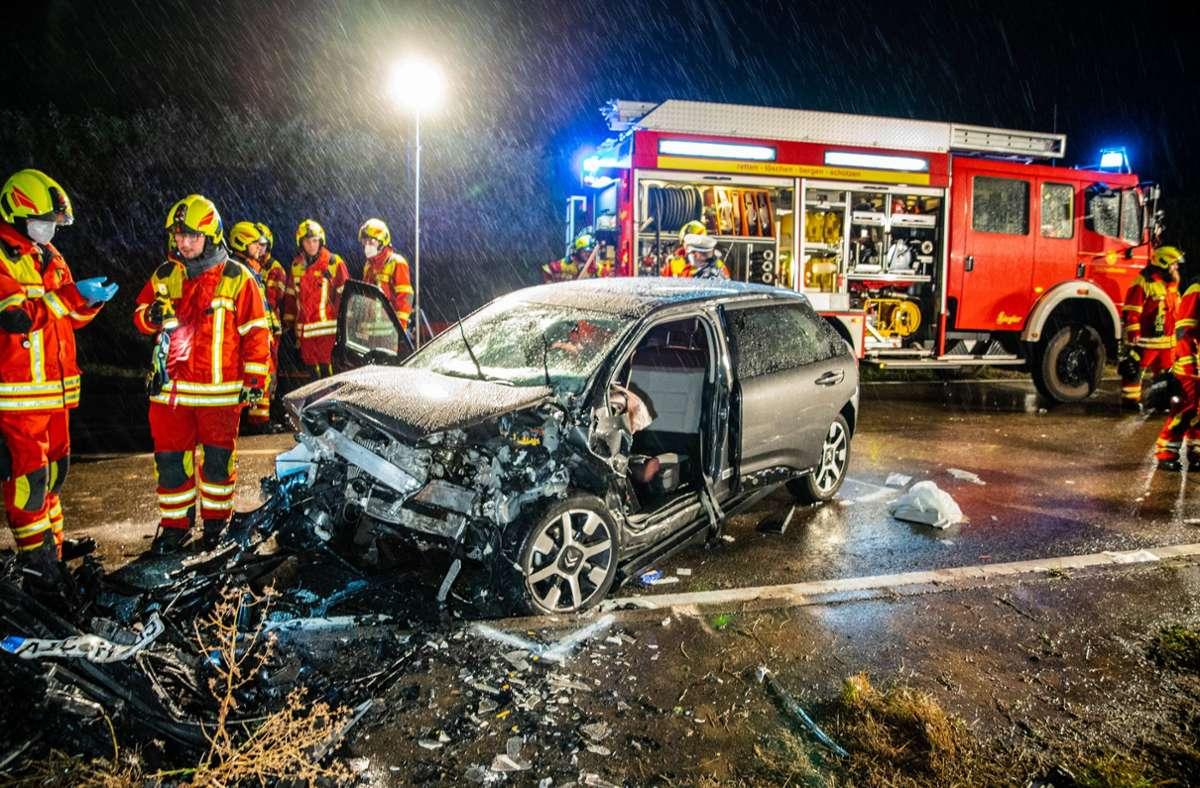 Auf der L1100 bei Oberstenfeld hat es einen schweren Verkehrsunfall gegeben. Foto: 7aktuell.de/Nils Reeh/7aktuell.de   Nils Reeh