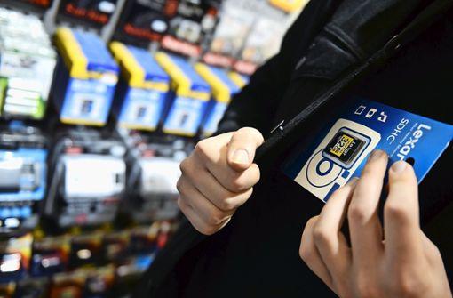 Ladendieb entkommt unerkannt – Polizei sucht Zeugen