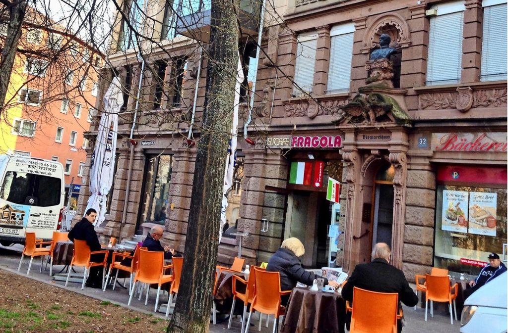 """Die Fragola-Familie hat sich vergrößert. Sie haben am Hölderlinplatz noch das ehemalige """"Flori und Palma"""" übernommen. Dort gibt einfach mehr Sonne im Sommer. Foto: Archiv/ Joe Bauer"""
