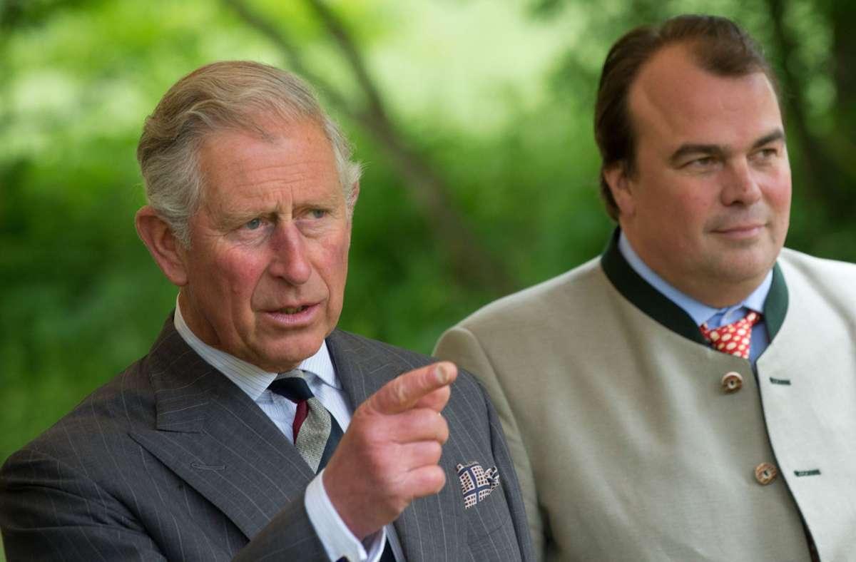 Fürst Philipp (rechts) ist der Großneffe von Prinz Charles. Foto: dpa/Marijan Murat