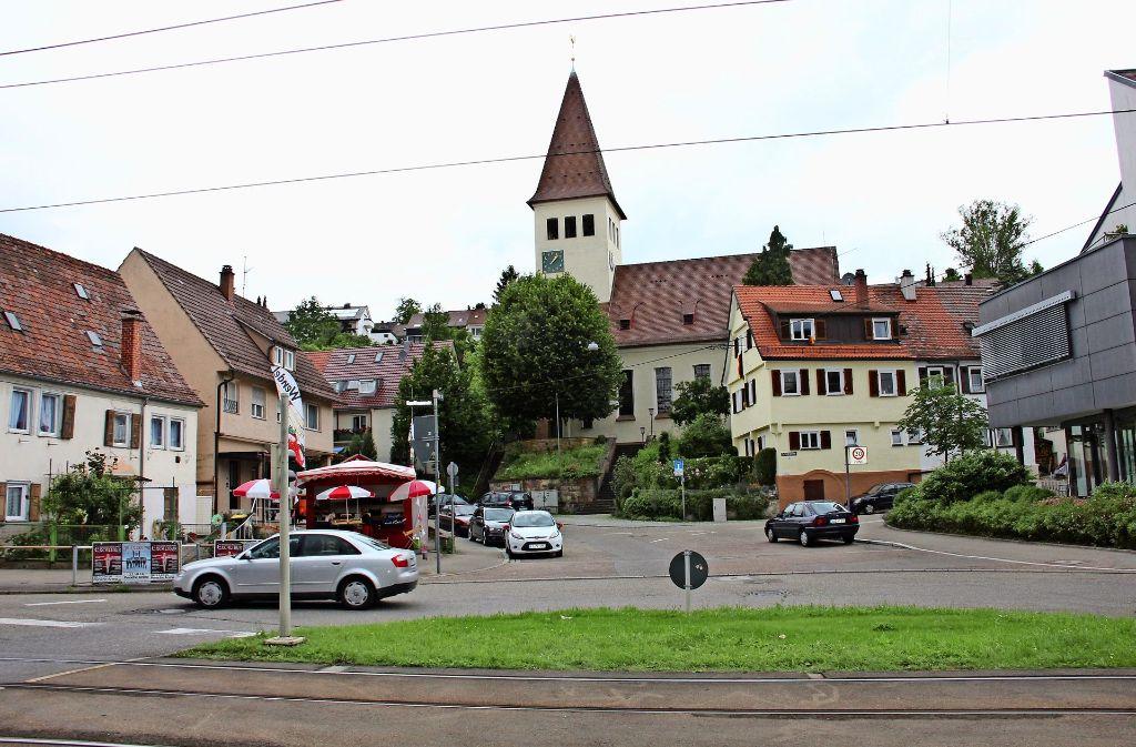Auch die Ecke Eltinger und Kauffmannstraße  soll attraktiver  gestaltet werden. Teil des Verfahrens ist, die Sanierungsziele im Dialog mit den Bürgern zu  erarbeiten. Foto: Torsten Ströbele