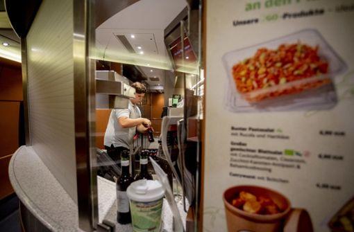Essen im ICE soll besser und günstiger werden