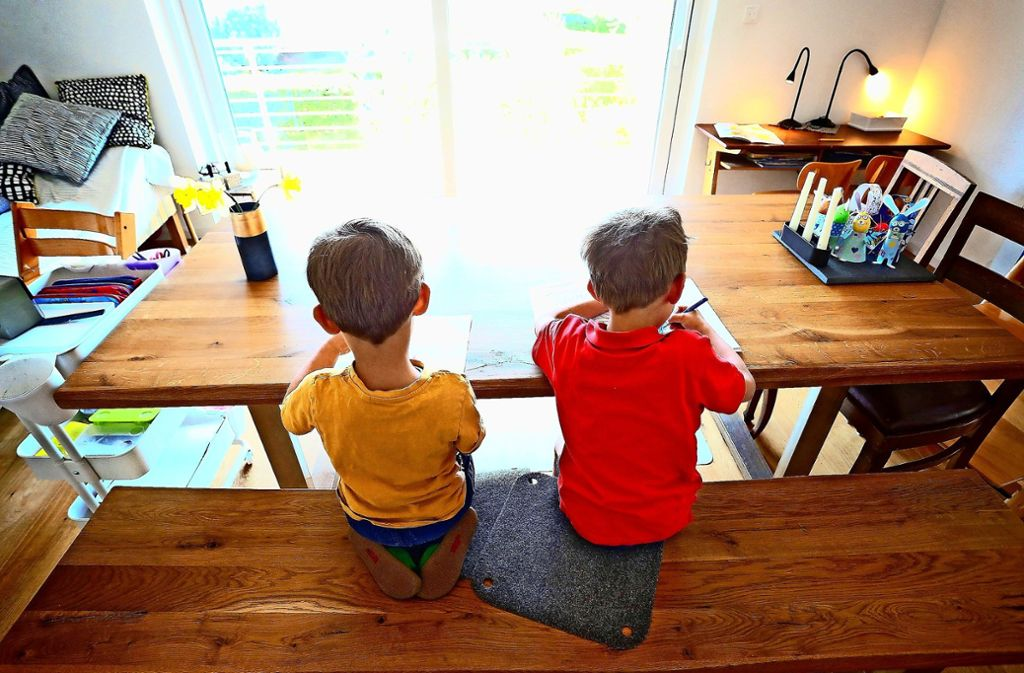 Mütter und Väter müssen viel Kreativität aufbringen, um Familie und Beruf unter einen Hut zu bringen. Foto: dpa/Karl-Josef Hildenbrand