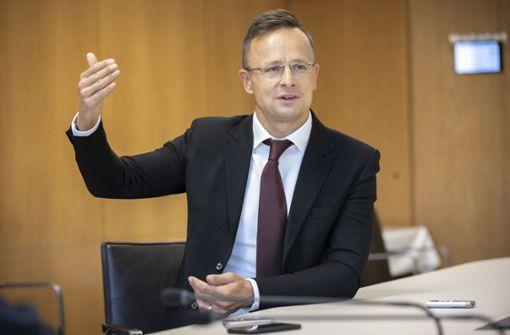 """Ungarns Außenminister wirft Brüssel """"Erpressung"""" vor"""