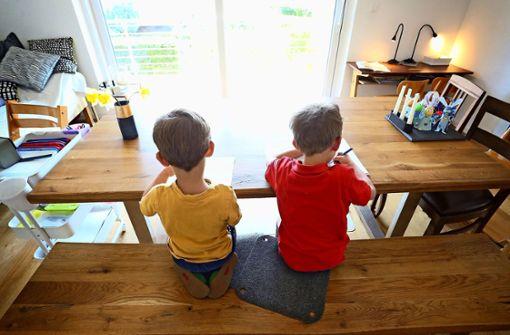 Familien können mit längeren Lohnfortzahlungen rechnen