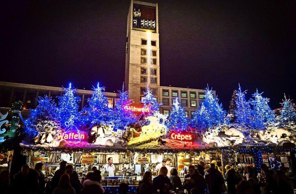 """Würde der Weihnachtsmarkt darunter leiden, wenn es anderswo in der Innenstadt ähnliche Veranstaltungen gäbe? Die Veranstaltungsgesellschaft """"In Stuttgart"""" teilt diese Befürchtung nicht. Foto: Lichtgut/Achim Zweygarth"""