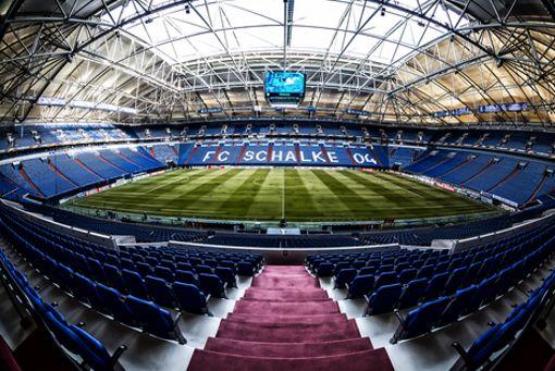 Da schlagen die Herzen von fahrradfahrenden Fußballfans höher: entlang der Stadien-Tour in Nordrhein-Westfalen liegen etwa die Veltins-Arena in Gelsenkirchen oder ...