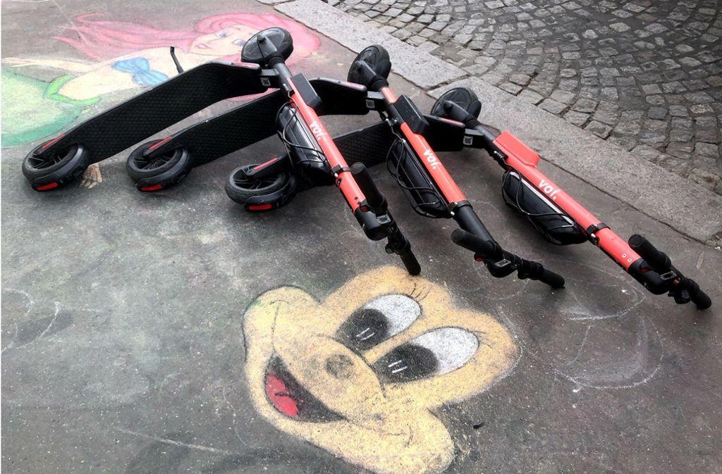Vom Spaßfaktor zum Ärgernis. In Paris werden die E-Scooter immer kritischer gesehen. Foto: Krohn