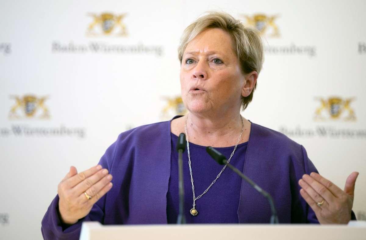 Kultusministerin Susanne Eisenmann hat eine Umfrage zu Corona-Risikogruppen unter Lehrern gestartet. Foto: dpa/Sebastian Gollnow