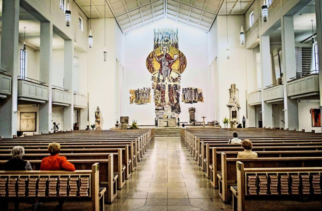 Die Kirchenmusiker Christian Weiherer und Lydia Schimmer möchten in der katholischen Domkirche St. Eberhardt auch innovative Konzerte geben. Foto: Lichtgut/Max Kovalenko