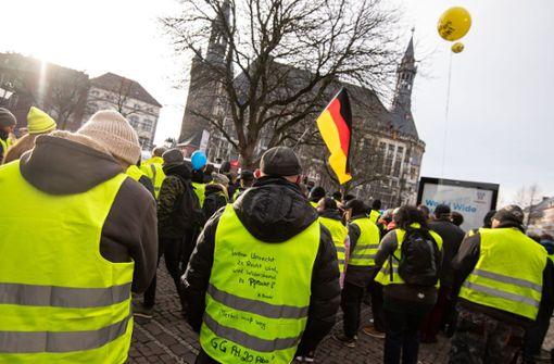 120 Gelbwesten demonstrieren in Aachen