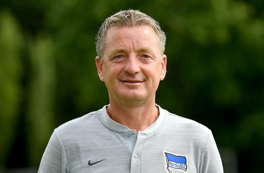 Noch bei der Hertha, im Sommer aber bei seinem Herzensclub VfB Stuttgart: Co-Trainer Rainer Widmayer. Foto: dpa