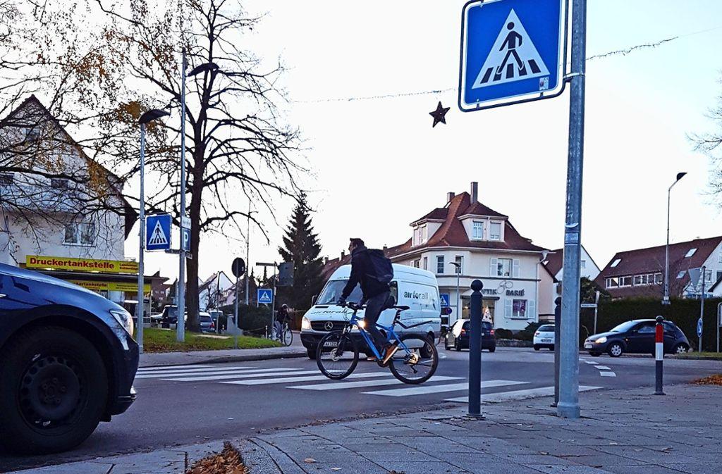 Für Radler gelten auf dem Zebrastreifen (hier am Neuen Markt) Regeln. Foto: Wahlenmaier