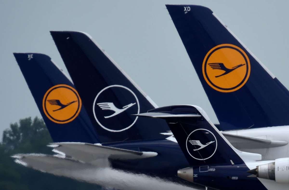 Die Lufthansa-Aktionäre unterstützen das staatliche Rettungspaket. Foto: AFP/CHRISTOF STACHE