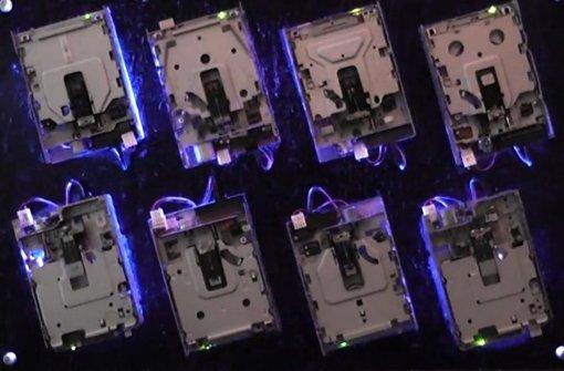 Melodisch knarzt das Disketten-Laufwerk