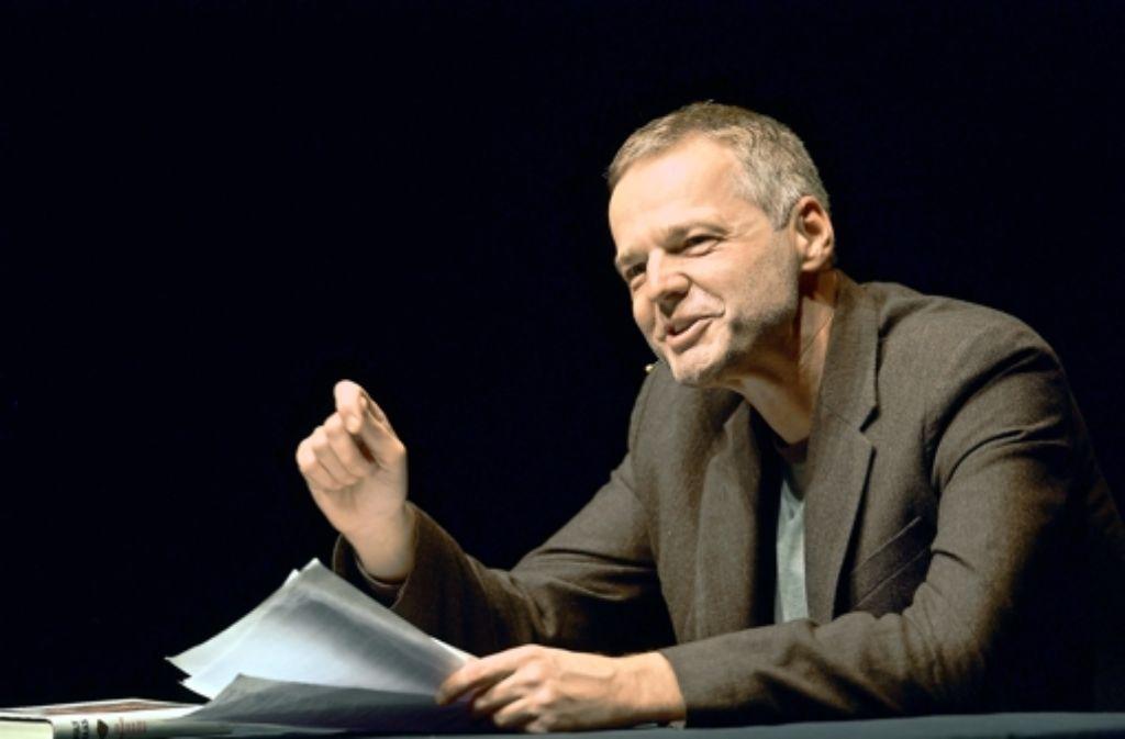 Wolf Haas liebt es, die Geradlinigkeit der Vernunft infrage zu stellen. Foto: Achim Zweygarth