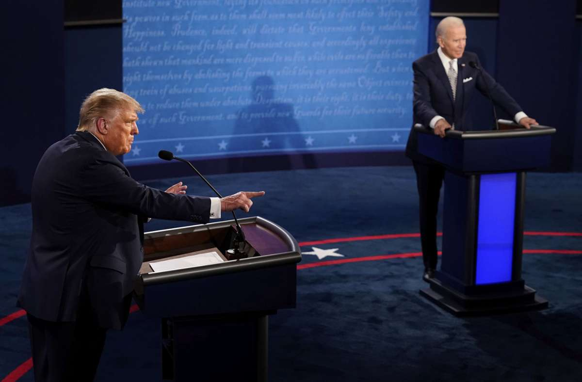 Donald Trump (links) attackierte bei der TV-Debatte Joe Bidens Söhne. Foto: AP/Morry Gash