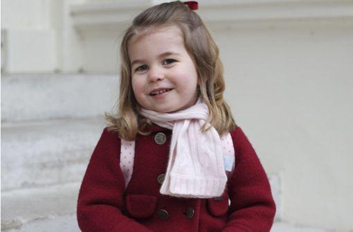 Herzogin Kate fotografiert ihr Kindergartenkind