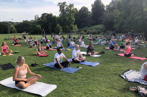 Yoga wird in der  Stadt zum Volkssport