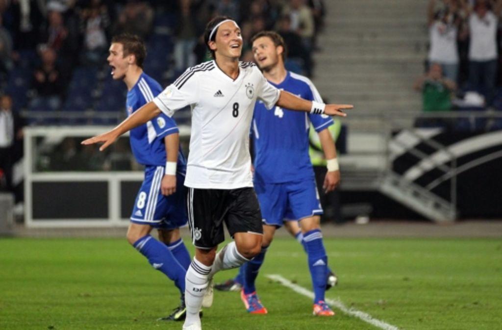Mesut Özil schoss das zweite und dritte Tor für die deutsche Elf. Foto: dpa