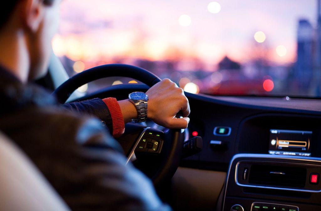 Es vergeht keine Verkehrsmeldung ohne einen Stauhinweis von der A8 bei Pforzheim. Foto: pixabay