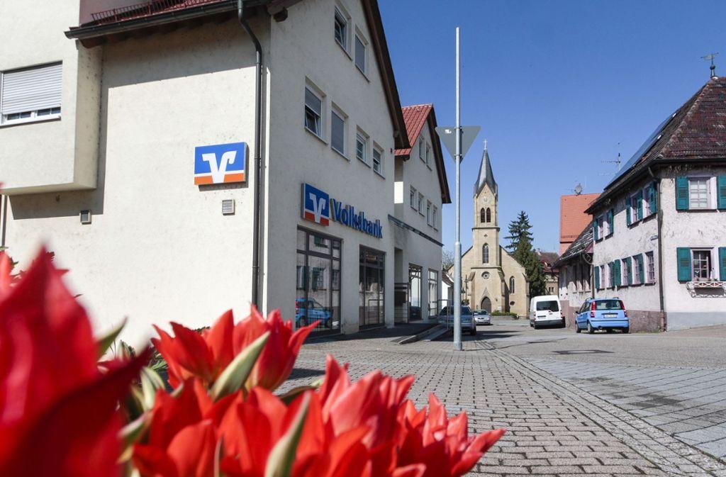 Kleine Volksbank-Filialen auf dem Dorf gehören bald der Vergangenheit an. Foto: factum//Simon Granville