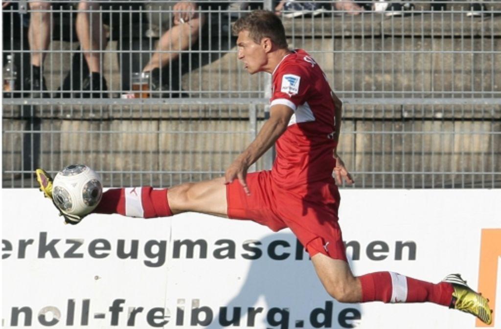 Der Neuzugang Daniel Schwaab möchte mit dem VfB den Spagat zwischen ansehnlichem und erfolgreichen Fußball hinbekommen. Foto: Baumann
