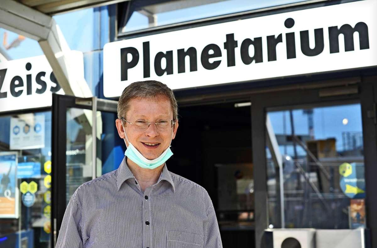 Weiter geht's: Planetarium-Chef Uwe Lemmer atmet auf. Foto: Lichtgut/Max Kovalenko