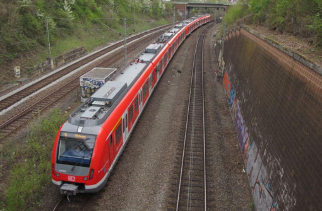 Am Mittwochmorgen mussten Pendler in Stuttgart wieder Geduld haben: Nach einer Signalstörung in Stuttgart-Vaihingen gab es bei den S-Bahn-Linien S1, S2 und S3 Ausfälle und Verspätungen. Foto: VVS (Symbolbild)