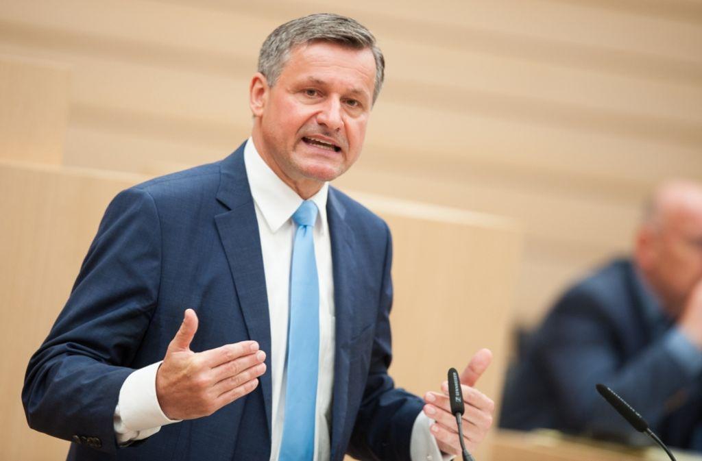 Die Opposition im baden-württembergischen Landtag hat die Personalpolitik der grün-schwarzen Regierung erneut kritisiert, darunter auch FDP-Fraktionschef Hans-Ulrich Rülke. Foto: dpa